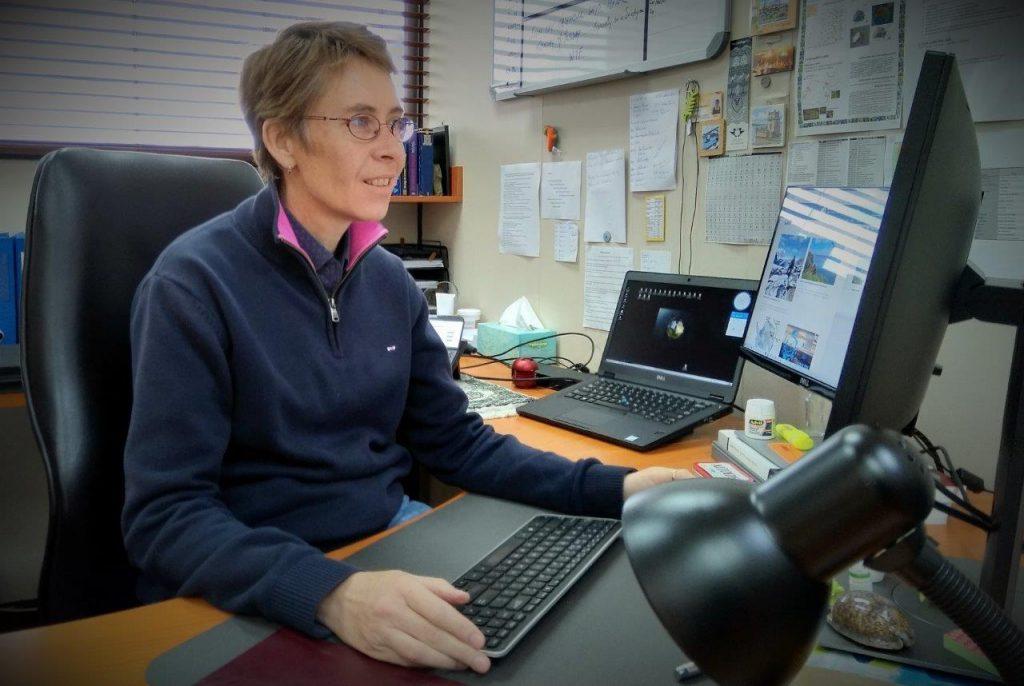 bettine in office